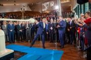 Koning Willem Alexander bij eerste munstslag Amsterdam, 2019